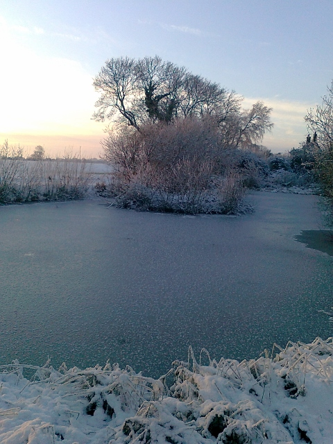 074Snow & ice on pond (480x640)