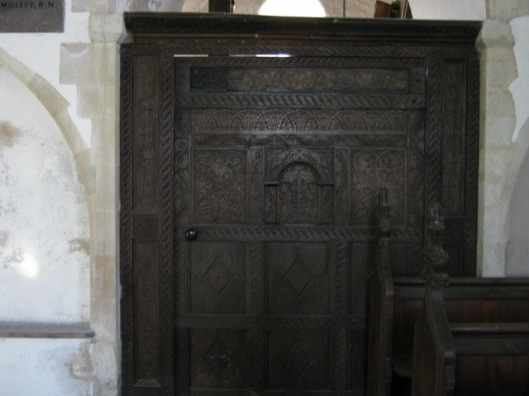 022Carved wooden door (640x480)