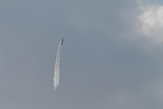 032Bi-plane with smoke-trail