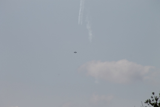039Bi-plane with smoke-trail