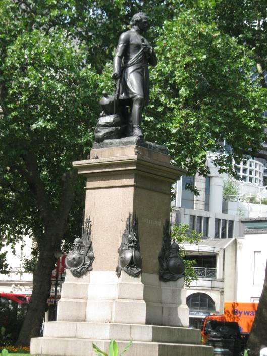 019Statue in Whitehall Gardens