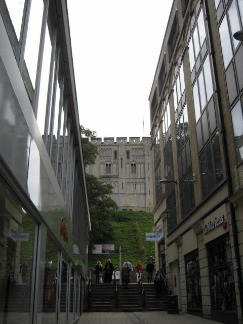 001Norwich Castle (480x640)