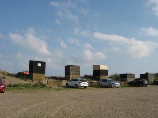 029Hoist sheds on Dunwich Beach (640x480)