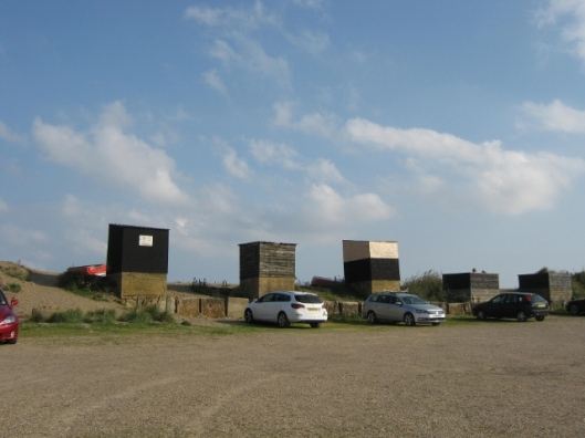 029Hoist sheds on Dunwich Beach (640x480)