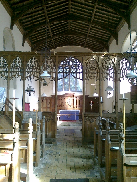 005Nave and chancel Rumburgh (480x640)
