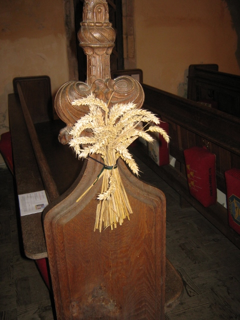 006Bunches of wheat on pew ends (480x640)