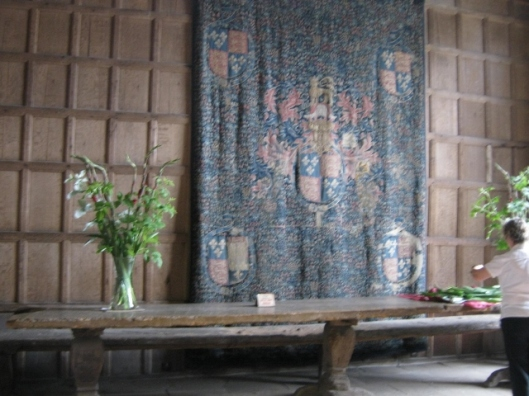 055High table bench & tapestry (640x480)