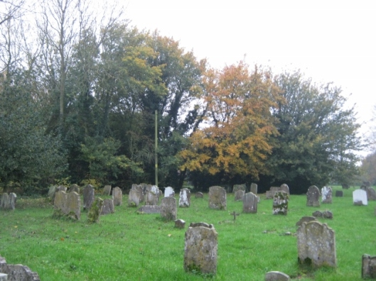 003Churchyard in November (640x480)