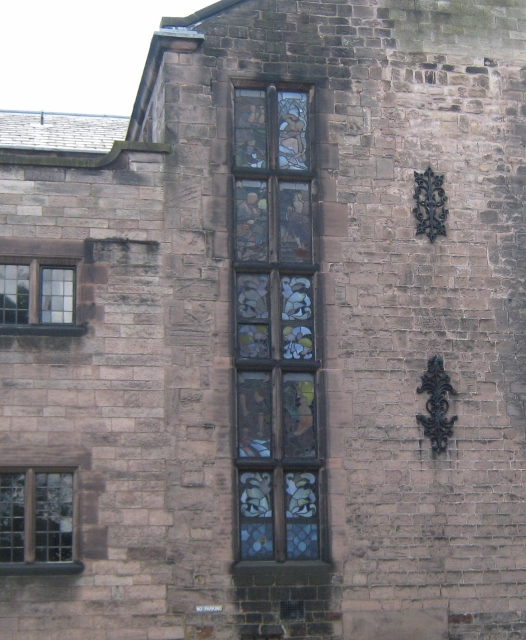 004House in Leek with stained glass (526x640)