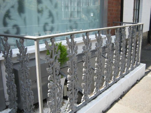 014Cast iron railing (640x480)