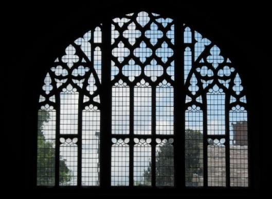 022West window (640x470)