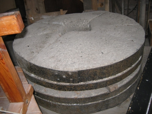 055Mill stones (640x480)