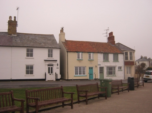 IMG_4041Cottages (640x480)