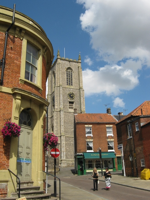 010Fakenham Church (480x640)