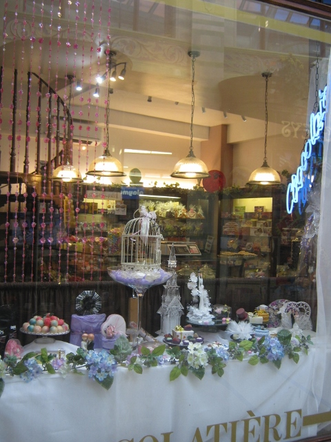 018Confectioner's shop (480x640)