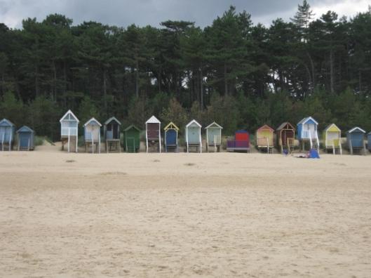 019Beach huts (640x480)