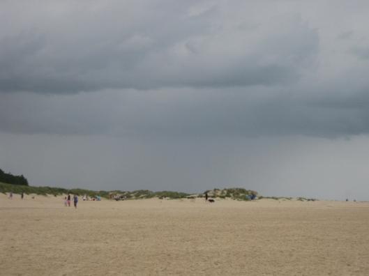 022Rain & beach (640x480)