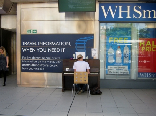 IMG_4906Pianist on Sheffield station (640x477)