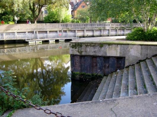 043River steps