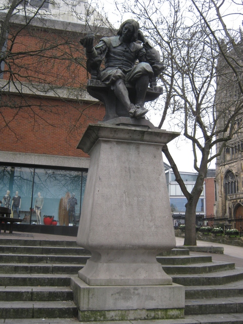 IMG_4200Statue of Sir Thomas Browne