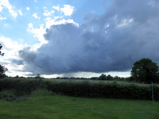 p1000549rain-clouds