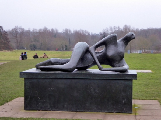 p1010680henry-moore-sculpture